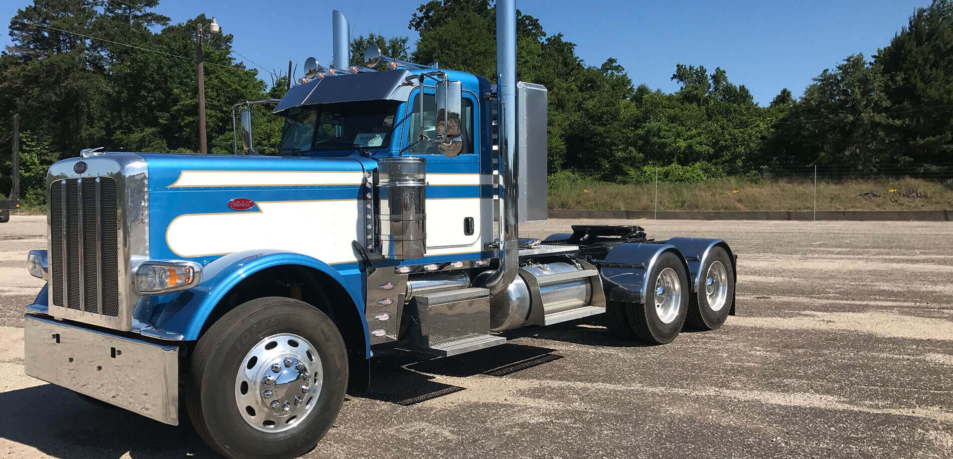 East Texas Truck Center Truck Trailer Repair Nacogdoches Tx Baytown Tx Your 1 Source For Trucks Trailers Parts And Service